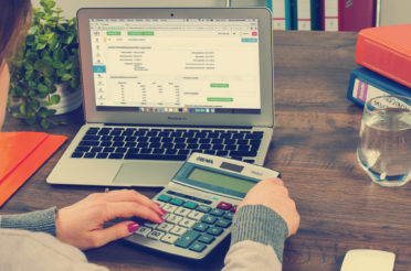 La problematica individuazione del criterio determinante l'assoggettamento a tassazione del reddito delle persone fisiche